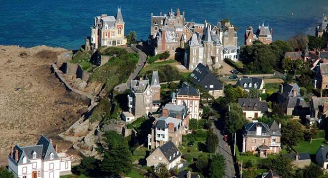The elegant seaside town of Dinard